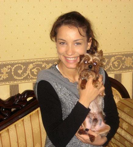 Виктория Дайнеко со своим песиком