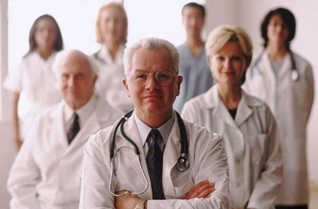 У пациентов доверие к врачам со стетоскопом выше