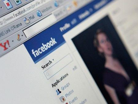 Facebook будет использовать рекламные объявления в лентах новостей