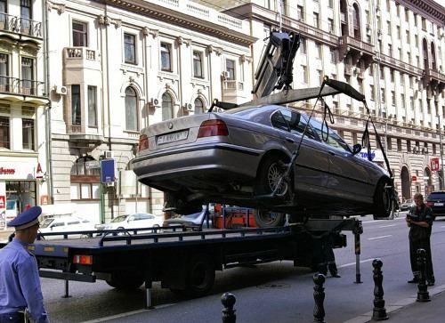 Эвакуатор теперь обязаны оплачивать владельцы авто