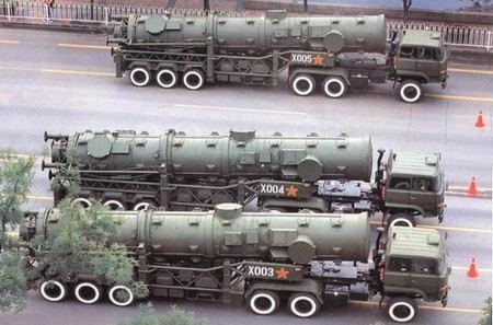 В Китае военные провели успешно испытания межконтинентальной баллистической ракеты «Дунфэн-41».