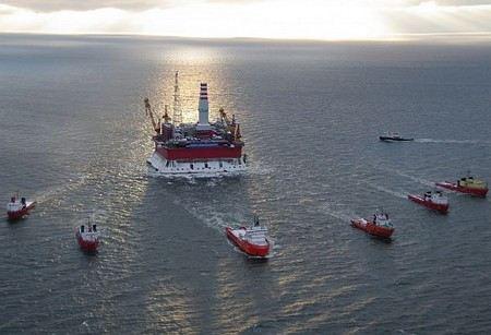 Представители Гринпис захватили нефтедобывающую платформу «Приразломная», принадлежащей дочернему предприятию «Газпрома».