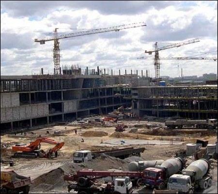 В Саратове в строящемся торгово-офисном центре рухнуло бетонное перекрытие. Дело на контроле у прокуратуре.