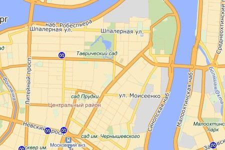 В Санкт-Петербурге ищут водителя «скорой помощи», который столкнулся с двумя полицейскими автомобилями.