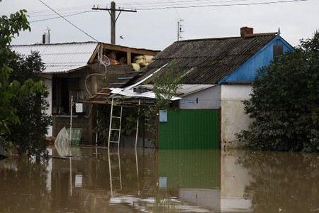 Пять семей в Крымске незаконно лишены права на жилье. Их дома внесены в список не аварийных.
