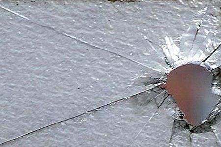 В Москве на улице Беломорская обстрелян легковой автомобиль, ранены два человека. Стрелявшие задержаны
