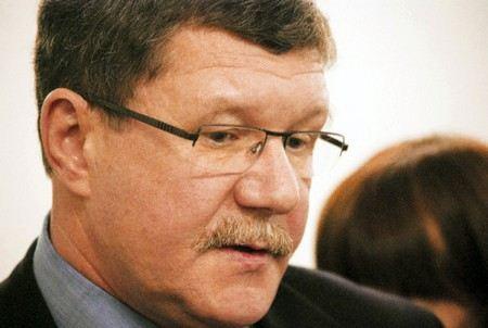 Глава комитета в Смольном Александр Макаров хочет засудить Ксению Собчак за сообщение в твиттере.