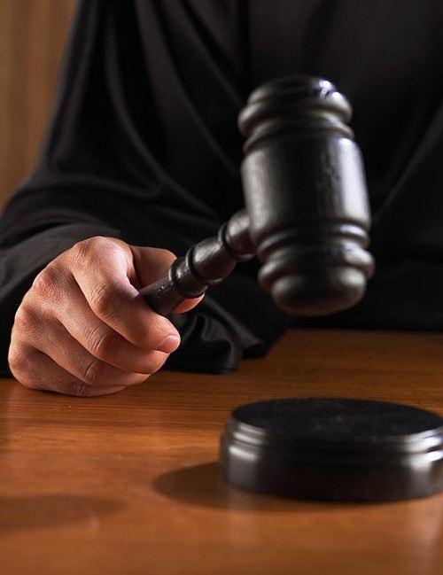 Единороссы не спешат подавать судебные иски