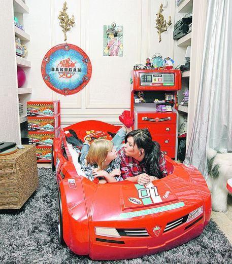 У сына Ирины Дубцовой Артема не детская, а настоящий гараж