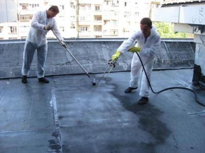 Лучшим материалом для гидроизоляции считается жидкая резина