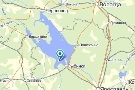 В Рыбинском водохранилище под Вологдой туристический теплоход «Михаил Шолохов» столкнулся с буксиром.