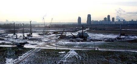 В ближайшие три года на строительство и реконструкцию стадионов в России Министерство спорта планирует выделить 45 млрд рублей.