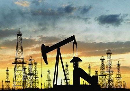 В Минэкономразвитии рассказали, насколько упадет добыча нефти в России в 2013 году и с чем это будет связано.