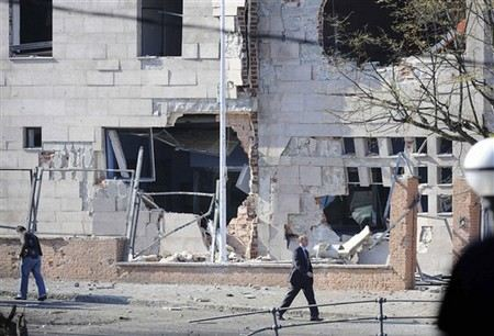 В центре Стамбула неизвестный взорвал бомбу у полицейского участка.