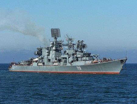 В США на съезде демократов оконфузился адмирал. Во время речи о ветеранах Джон Эфман указал на российские военные суда.