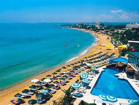 В Турции отелям запретили отгораживать территорию на общественных пляжах.