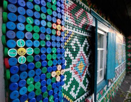 Пробки соединились в мозаику