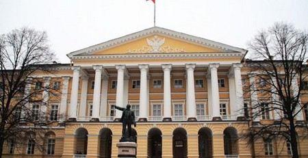Губернатор Санкт-Петербурге Георгий Полтавченко оставил своих подчиненных без зимних каникул.