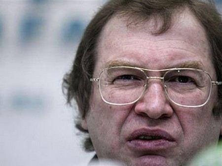 В среду, 19 сентября, тысячи пользователи интернета по всей России выражают свой протест против закрытия сайтов с рекламой МММ.