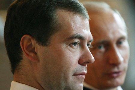 Премьер и Президент сумели договориться. Медведев заявил, что полностью согласен с мнением Путина относительно бюджета.
