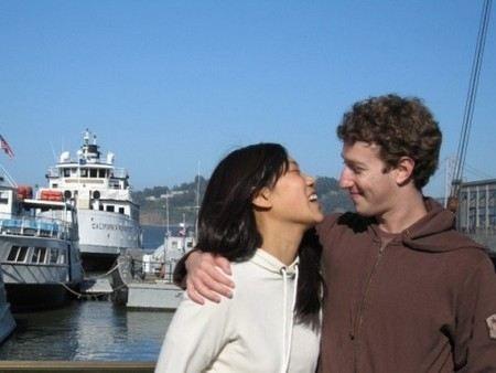 Фильм «Социальная сеть» об основателе Фейсбук Марке Цукерберге вызвал множество откликов в интернет-сообществах.