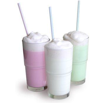 Пить подроскам следует молочные или кислородные коктейли