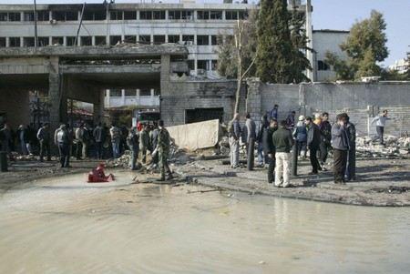 В столице Сирии - Дамаске в одной из школ произошел двойной взрыв. Данные о количестве жертв уточняются.