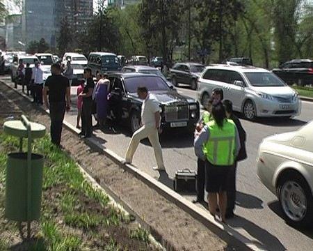 Выходцев с Северного Кавказа, которые устроили стрельбу на свадьбе в Москве, оштрафовали на 2 тыс. рублей.