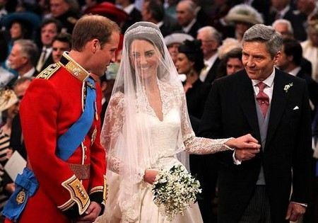 Власти Великобритании разрешили всех желающим жениться в любое время суток.
