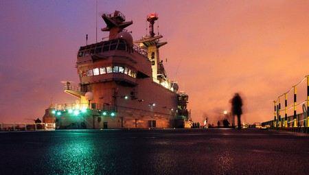 В Санкт-Петебурге на Балтийском заводе начато строительство первого вертолетоносца по проекту «Мистраль».