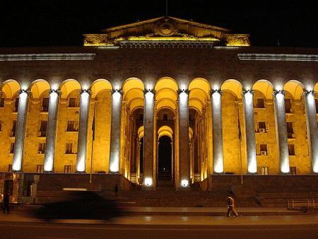 Бидзина Иванишвили заявил о том, что хочет полностью обновить парламент в Грузии.