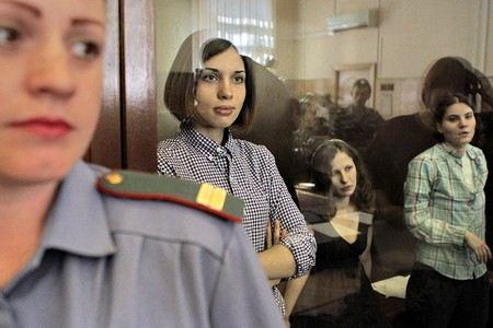 Кунцевский суд Москвы отказал жители Новосибирска Ивану Квасницкому в выплате 10 тыс. рублей за оскорбление религиозных чувств.