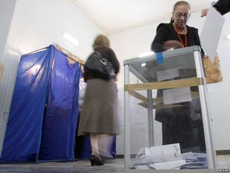 Один из лидеров оппозиции в Грузии, представитель партии «Грузинская мечта» заявил о том, что результаты выборов в парламент сфальсифицированы.
