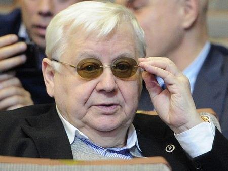 Председателем совета Общественного телевидения в России избран Олег Табаков.