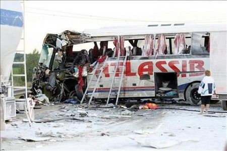 В Турции на трассе Анталья-Кемер в ДТП попал автобус с туристами из России. Пострадали 26 человек.