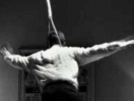 В Греции в собственном доме совершил самоубийство бывший замминистра внутренних дел Леонидас Цанис.