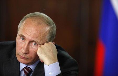 В Санкт-Петербурге в честь 60-летнего юбилея президента России Владимира Путина в Таврическом саду пройдет тожественный концерт, вход на который будет только по спец-приглашениям.