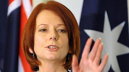 Основатель WikiLeaks Джулиан Ассандж хочет обвинить в клевете премьер-министра Австралии Джулию Гиллард.