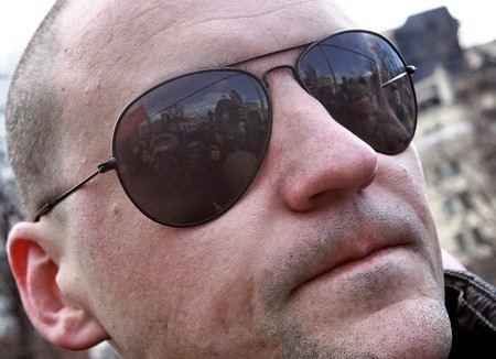 Сергея Удальцова вызвали на допрос в качестве свидетеля в Следственный комитет в качестве свидетеля, чтобы расспросить о фактах, связанных с содержанием фильма «Анатомия протеста-2».