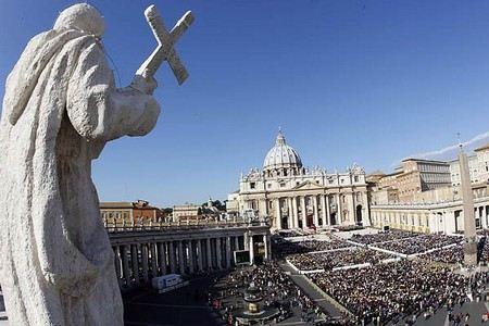 Папа Римский Бенедикт XVI впервые произнес молитву на арабском языке.