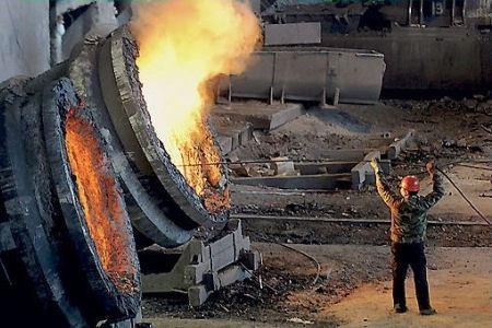 Эксперты встревожены сокращением производства стали в Китае