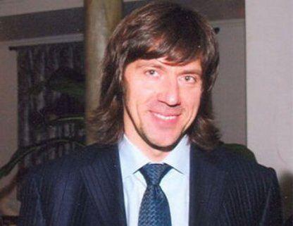 Тело 46-летнего главы крупнейшего в Европе мебельного холдинга Михаила Кравченко с огнестрельными ранениями головы и тела, было обнаружено в машине.