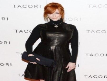 Американская актриса Кристина Хендрикс удивила своим нарядом. На этот раз она одела черное кожаное платье.