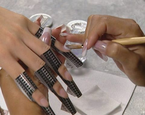 Наращивание акриловых ногтей
