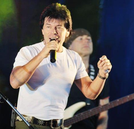 Блогеры выразили протест против песни Олега Газманова