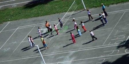В Нижневартовске в школе на уроке физкультуры умер ребенок.