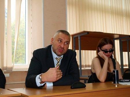 Защитой оппозиционера Леонида Развозжаева будет заниматься адвокат Марк Фейгин.