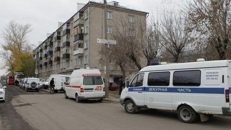 После спецоперации в Казани по уничтожению боевиков мэрия обещала отремонтировать подъезд дома.
