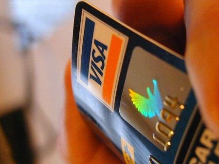 Госдума обяжет банки возвращать все похищенные с карт клиентов средства в течение суток