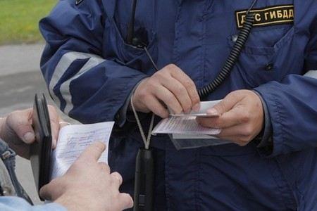 Телеведущую Оксану Пушкину оштрафовал инспектор ДПС, который раньше штрафовал Николая Валуева